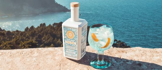 Photo for: Palma Gin Entitled the Best Spirit by Package